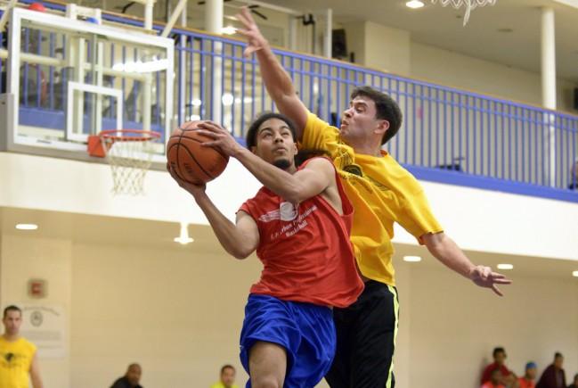 Player scores basket